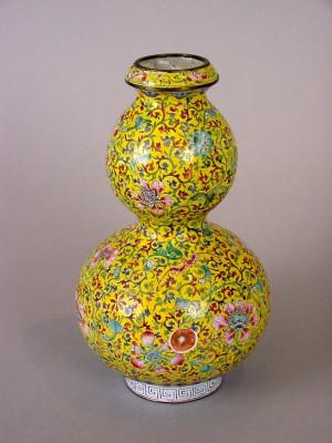 Chinese Enamel Doblegourd Vase