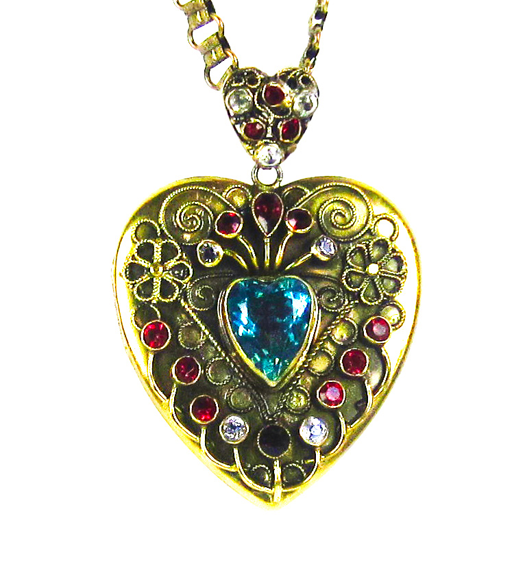 Costume Jewelry Pendant. Jewelry Repair
