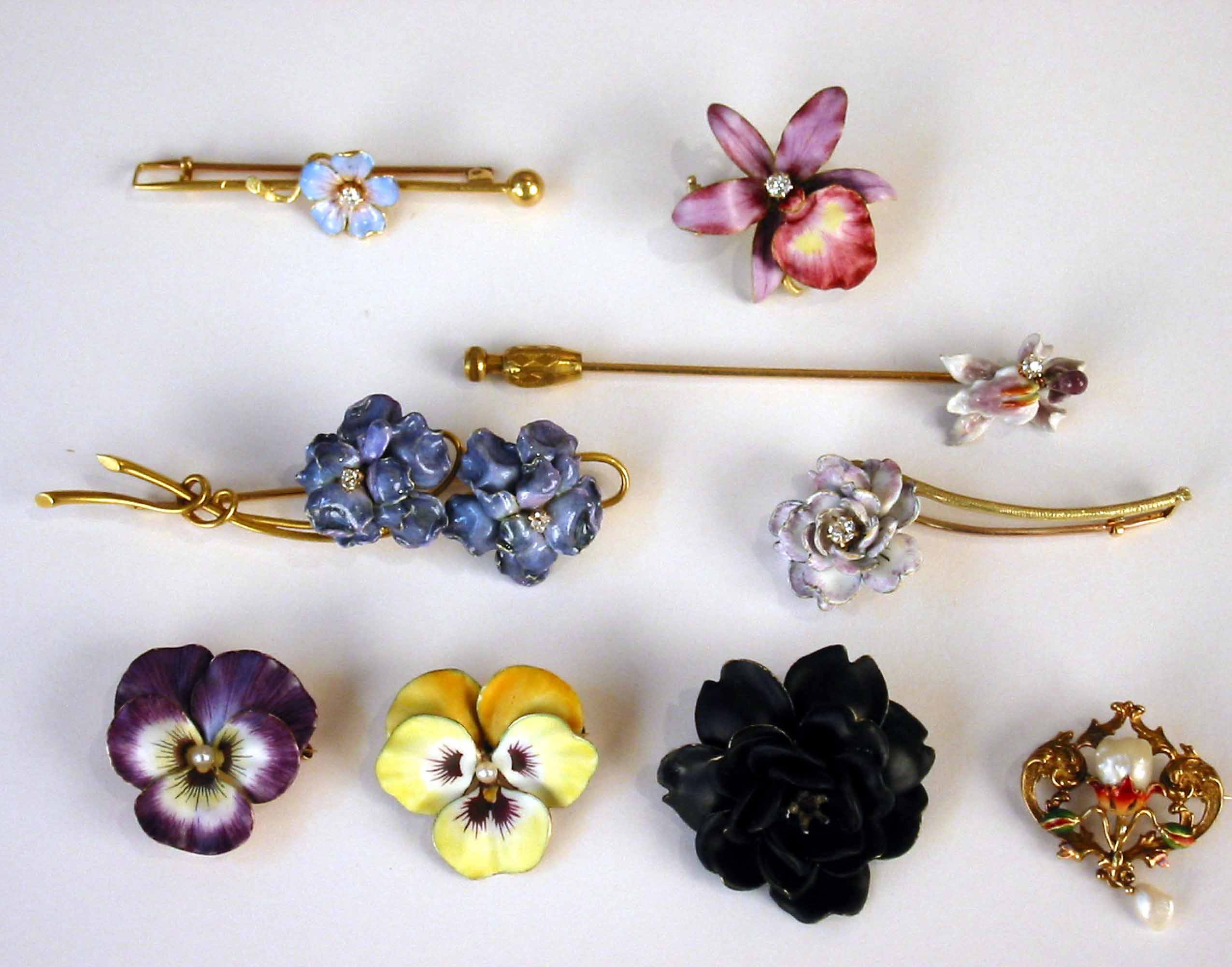 Lot of Brooches 2