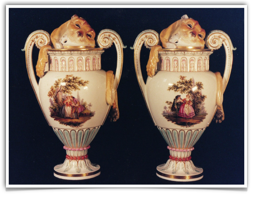 Messen Porcelain Factory Urns