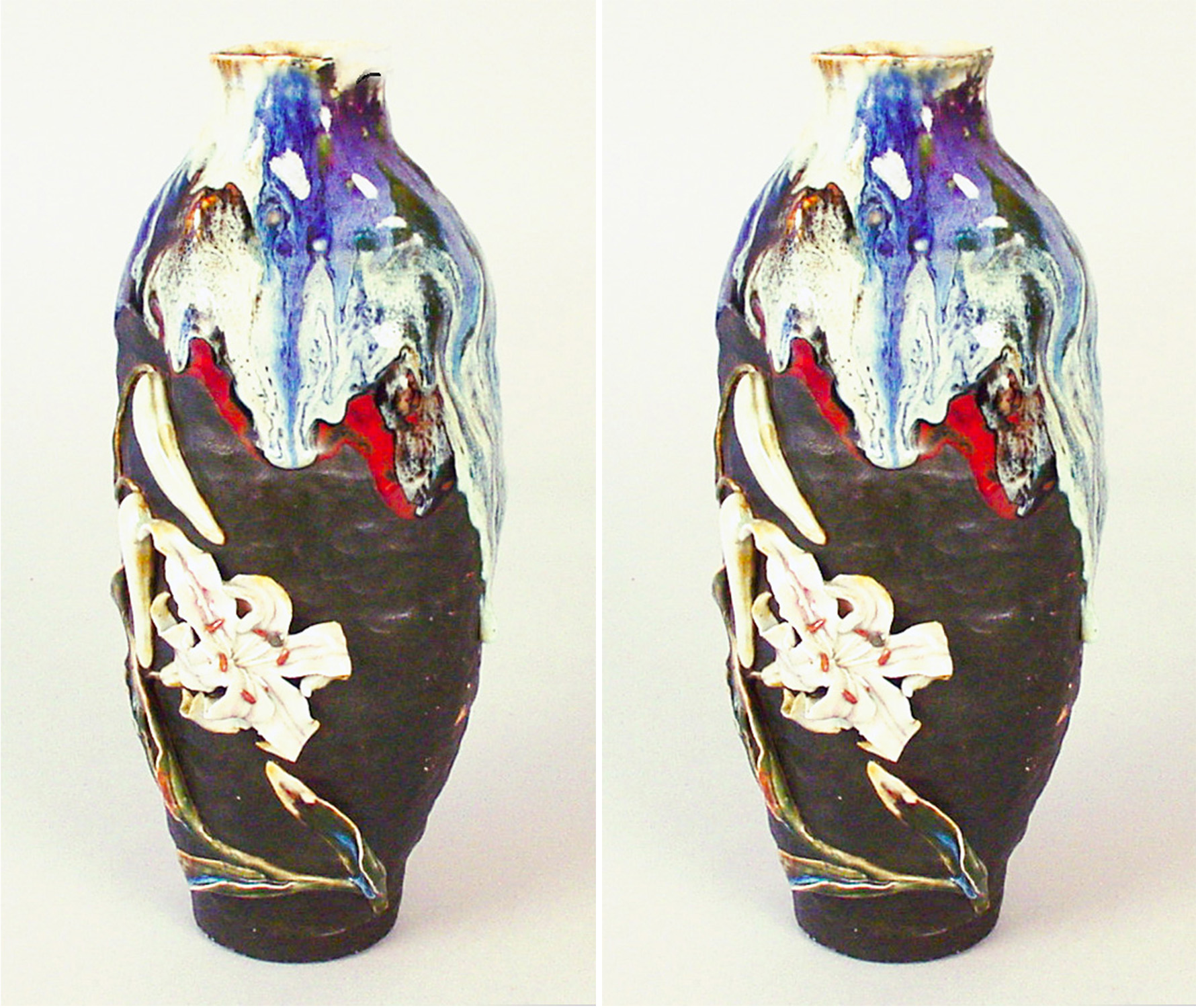 Sumida Vase With Lily